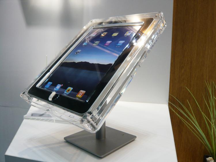 展示会 iPad・タブレットの展示 iPad(Air・mini)・タブレットの展示・ディスプレイ・陳列・設置方法とスタンド・台・什器・kiosk・キオスのデザイン・製作や盗難防止・防犯・セキュリティ対策